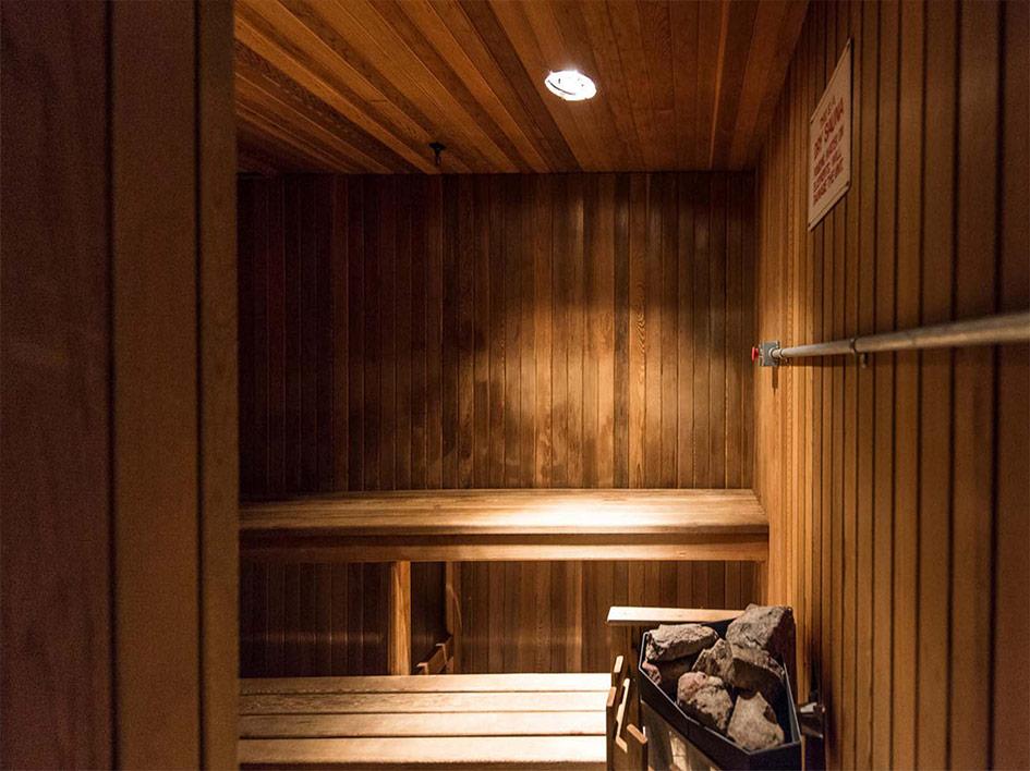 25Grenville-sauna