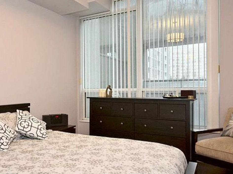750-Bay-bedroom