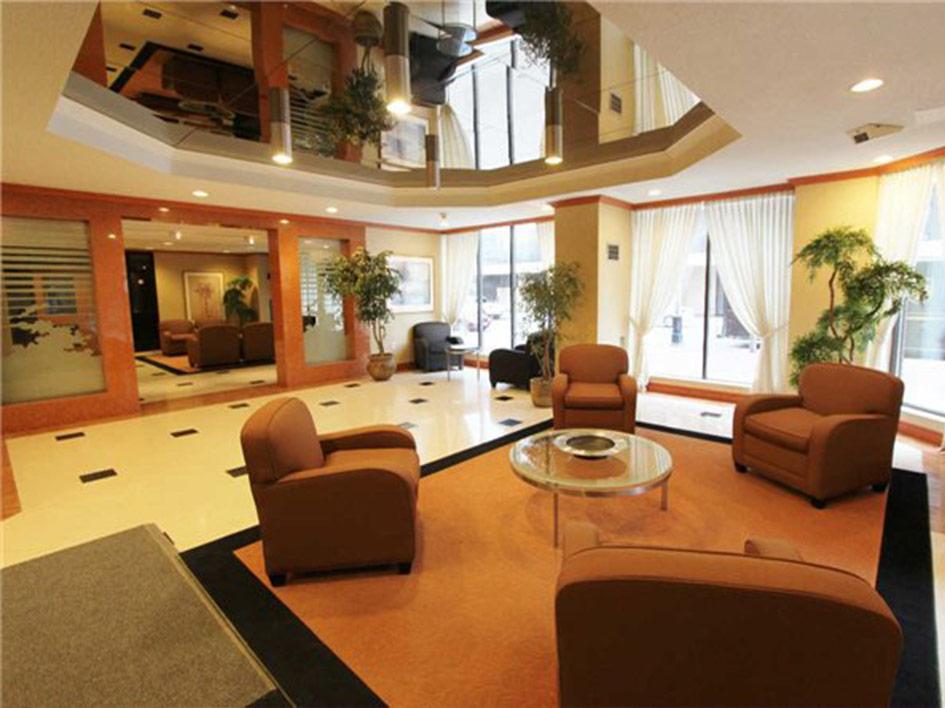 horizon-on-bay-lobby